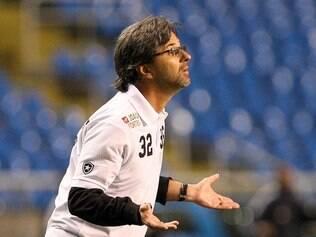 Conselheiros do Botafogo não gostaram do treinador culpar jejum de títulos por  derrota e pressão 5d80480fb3c7f