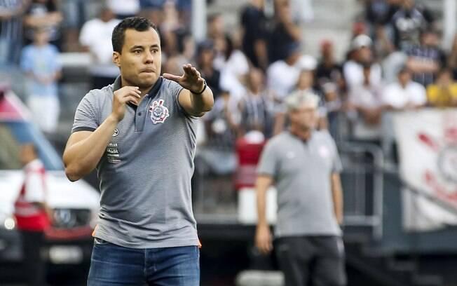 Jair Ventura elogiou a atuação do Corinthians no último sábado (29)