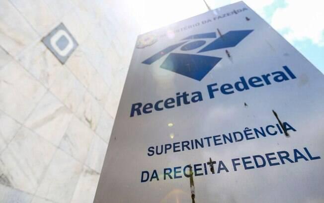 De janeiro a abril, a arrecadação total chegou a R$ 502,293 bilhões, com queda real de 7,45%