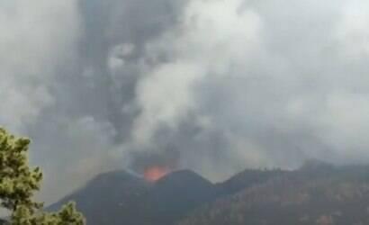 Lava de vulcão em La Palma chega ao mar dias após erupção