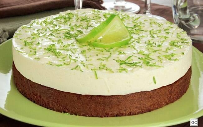 Torta-brownie com mousse de limo