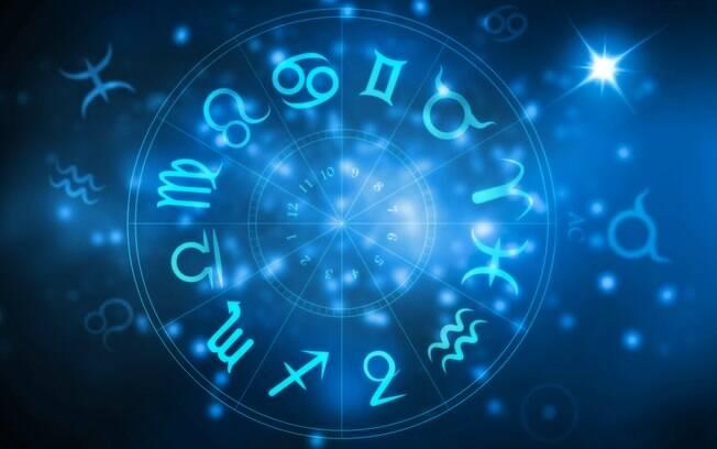 Ler o horóscopo do dia é uma forma de saber como aproveitar o seu dia da melhor forma