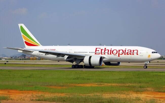 Avião da Ethiopian Airlines caiu poucos minutos depois de decolar, na Etiópia, e matou todas as 157 pessoas que estavam a bordo