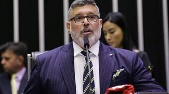 Frota acusa Bolsonaro de tentar proteger Carlos de CPMI das Fake News