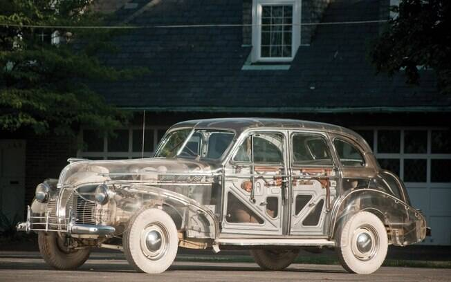 """Pontiac Deluxe Six """"Ghost Car"""": por incrível que pareça, fizeram o carro com carroceria de acrílico transparante"""