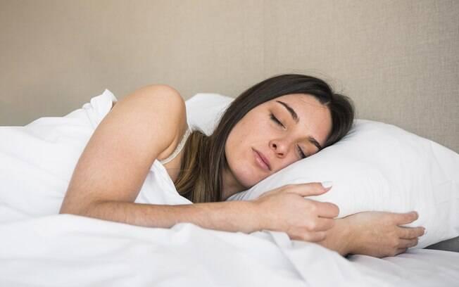 O tecido da sua fronha e a frequência com a qual você a higieniza são importantes para a saúde da sua pele