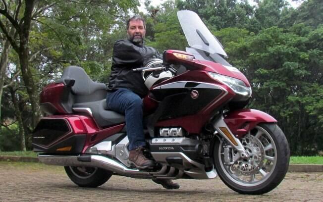 Trata-se da terceira moto mais cara do Brasil, entre as legalizadas para rodar nas ruas