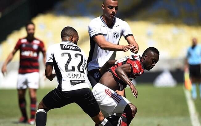 O Ceará surpreendeu o Flamengo no Maracanã lotado e venceu por 1 a 0