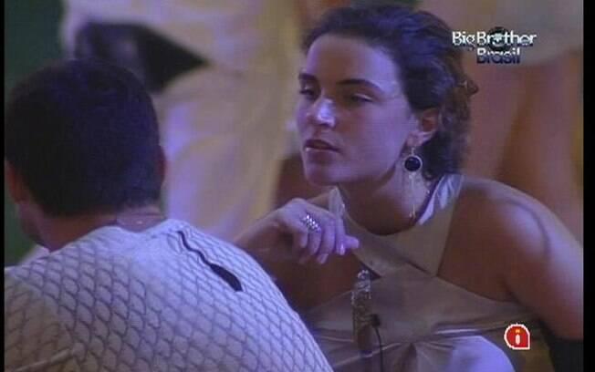 Laisa fala de João Carvalho para Yuri