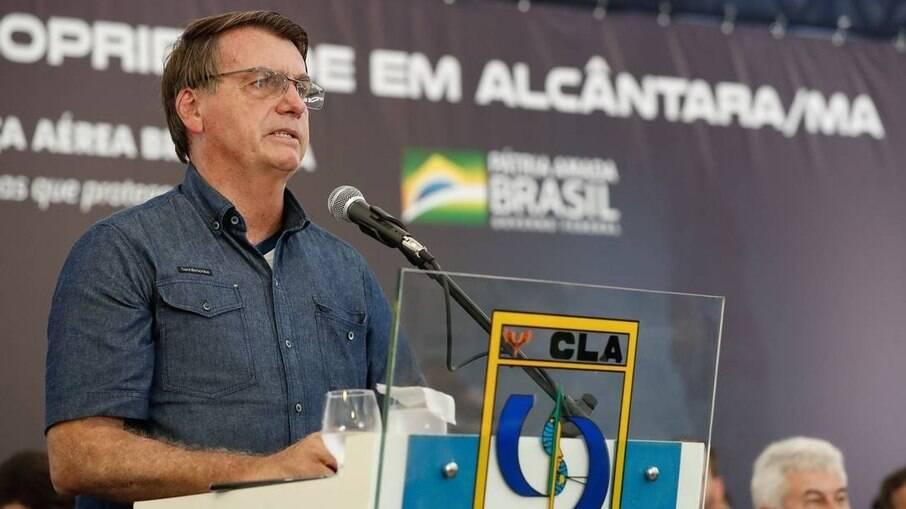 O presidente Jair Bolsonaro discursa no Centro de Lançamento de Alcântara