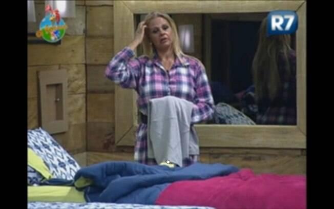Monique discute com Joana e Gui