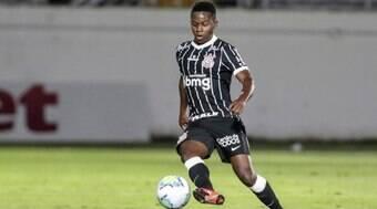 Corinthians economiza até R$ 15 mi com saída de Cazares