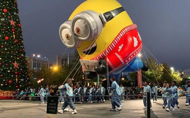 balão dos minions no parque da universal