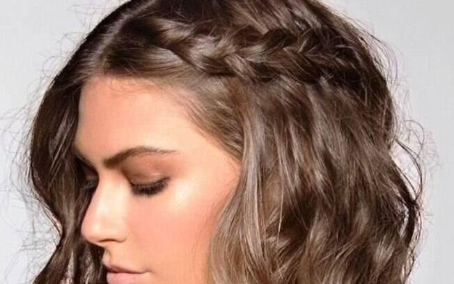 Com alguns acessórios é possível fazer penteados fáceis