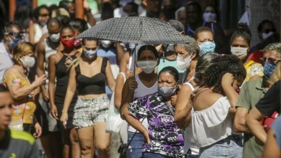 Caixa libera último saque do auxílio emergencial a 3,5 milhões de nascidos em outubro nesta sexta-feira (22)
