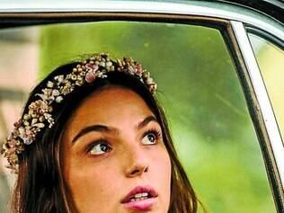 Isis Valverde será Sandra, que perde noivo no dia do casamento