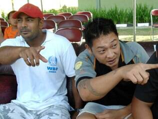 (FILES) In this file photo taken on August 17, 2010, convicted Australian drug smugglers Myuran Sukumaran (L) and Andrew Chan (R) sit inside Kerobokan prison in Denpasar, Bali. Chan on death row in Indonesia has lost his appeal for presidential clemency, his final chance to avoid the firing squad, an official said on January 22, 2015, days after Jakarta executed five foreign drug offenders. Sukumaran's clemency appeal was rejected last month, and the attorney general had said authorities were waiting for the outcome of Chan's appeal. AFP PHOTO / FILES / SONNY TUMBELAKA