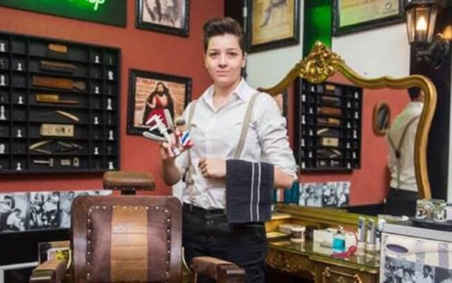 Juliana Felix ministra workshop de Barbearia no Senac Lapa Faustolo