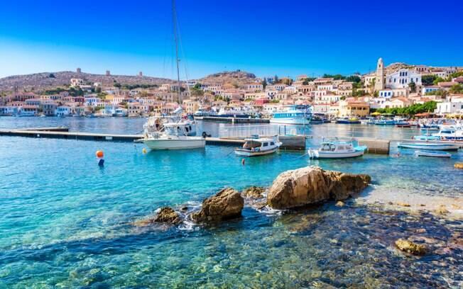 Há pouco a fazer na ilha Halki, senão aproveitar as praias e admirar o cenário, com muita tranquilidade