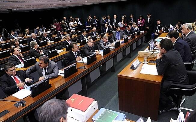 Manobras do presidente da Câmara enfraqueceram o poder do Conselho de Ética