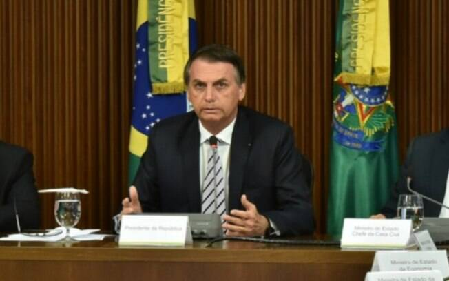 Jair Bolsonaro quer mudar a estrutura dos livros didáticos