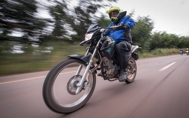 Yamaha Crosser; espírito aventureiro, mas com boa desenvoltura nos vários quilômetros de asfalto pelo caminho