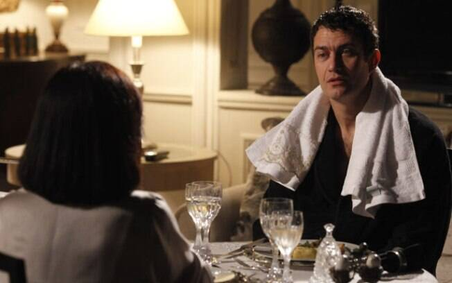 Leo e Norma, durante jantar romântico