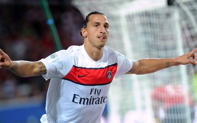 Primeira vitória veio apenas na 4ª rodada.  Decisivo, Ibrahimovic marcou os dois gols no  triunfo por 2 a 1 diante do Lille