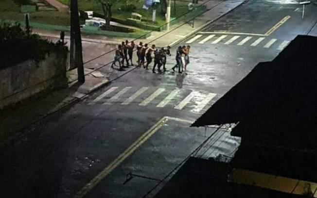 Pessoas foram feitas de reféns em mais uma noite de terror em uma cidade pequena do Brasil, desta vez no Pará