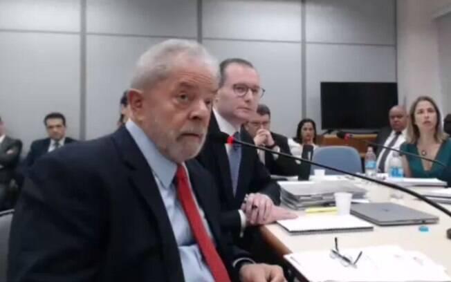 Defesa de Lula tenta anular condenação no caso tríplex do Guarujá ou ao menos reduzir a pena