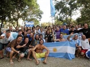 ESPORTES : BELO HORIZONTE - MG - OURO PRETO  . Acampamento de Argentinos em Bh .    FOTOS: JOAO GODINHO / O TEMPO / 20.06.2014