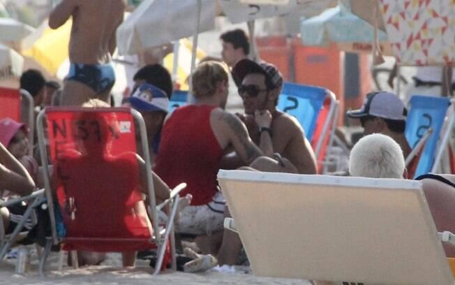 Ricky Vallen e o namorado em tarde romântica no Rio