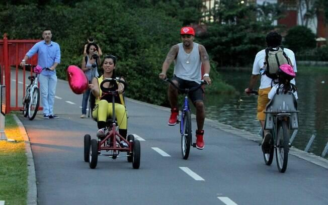 mas ela trocou a bicicleta por um quadricículo