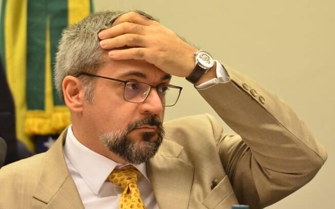 Ministro é criticado por críticas serem por posicionamento discordante