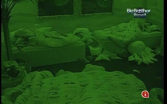 Brothers dormem mais cedo para poupar energias para a Prova do Líder