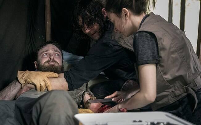 Aaron tem parte de seu braço decepado. O que o futuro reserva para o personagem em The Walking Dead?