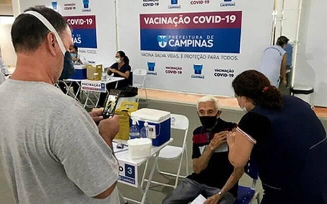 Imunização de idosos acima de 80 anos começa hoje em Campinas