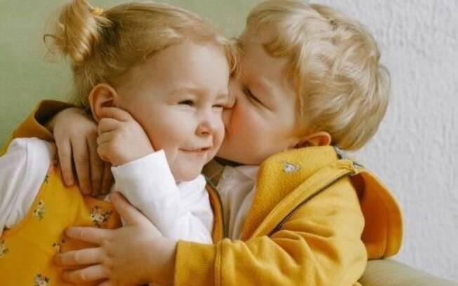 Veja 4 simpatias para ter filhos gêmeos