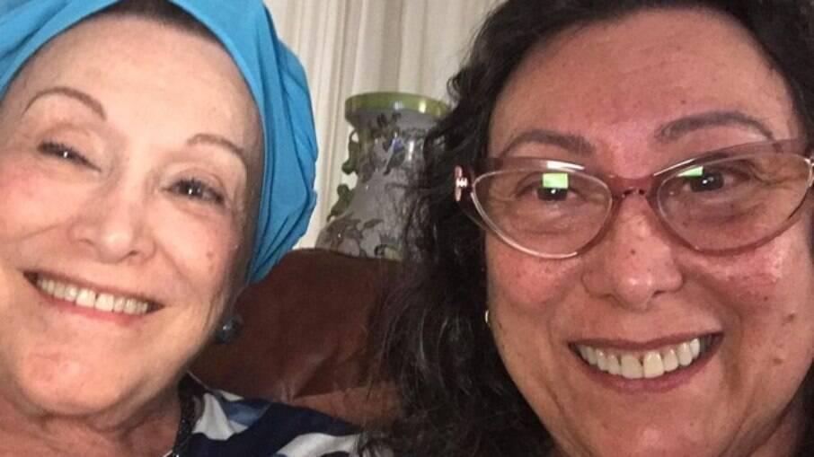 Bárbara Bruno ao lado de Nicette, que faleceu de covid no dim de 2020