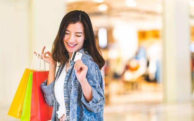 Fazer compras no exterior é o desejo de muitos turistas, principalmente os brasileiros, isso é o que indica pesquisa