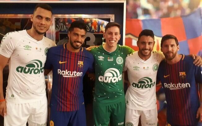 Chape fez amistosos pelo mundo, inclusive contra o Barcelona