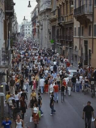 Via del Corso, importante rua de compras de Roma