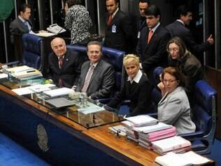 Apresentadora esteve presente durante a aprovação do projeto no Senado