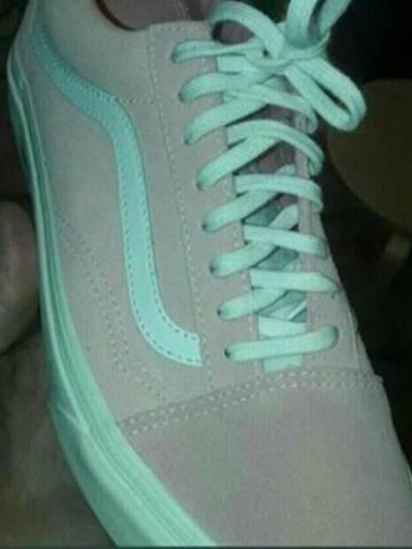 55bb1038e7e Verde e cinza ou rosa e branco  Foto de tênis lança nova polêmica ...