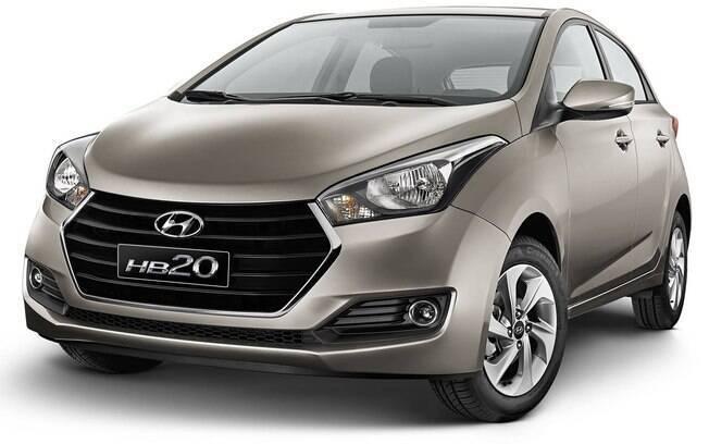 Embora seja menos equipado do que o Kia Picanto, o Hyundai HB20 mais básico ainda impressiona pelos itens de série