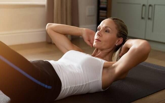 O nutrólogo afirma que muitas pessoas sofrem com a gordura localizada, independentemente da idade