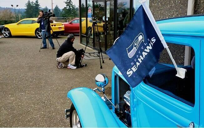 Loja de carros apostou no time da casa, mas quem se deu bem foram os clientes que compraram um carro