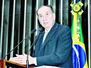 """Aloysio Nunes disse que Dilma faz parte dos """"amigos dos ladrões"""""""