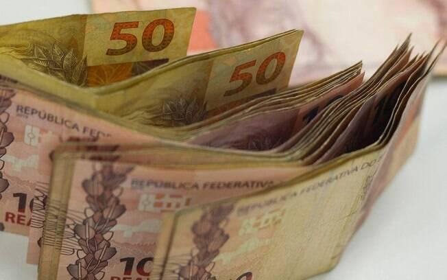 Além do PIB, Boletim Focus também faz estimativas para taxa de inflação, Selic e para a cotação do dólar