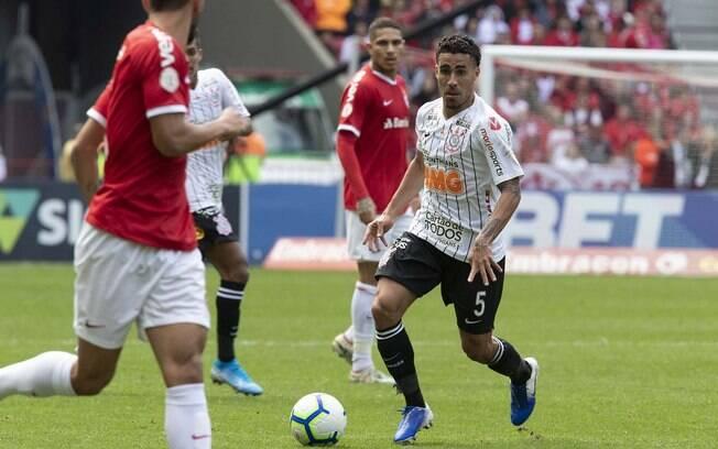 Em duelo equilibrado, Inter e Corinthians empatam sem gols no Beira-Rio